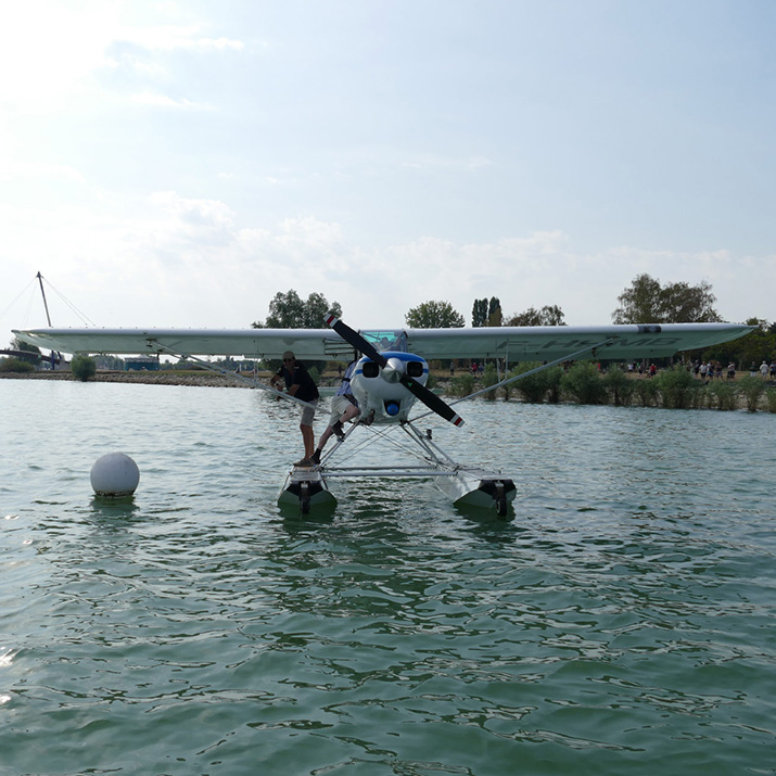 Amarrage de l'hydravion